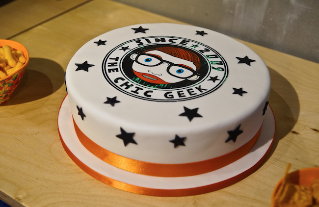 the chic geek birthday cake