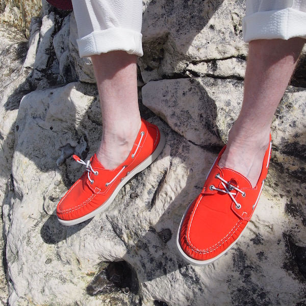 red boat shoes sebago docksides ariaprenes