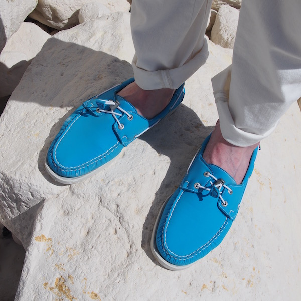 blue boat shoes sebago