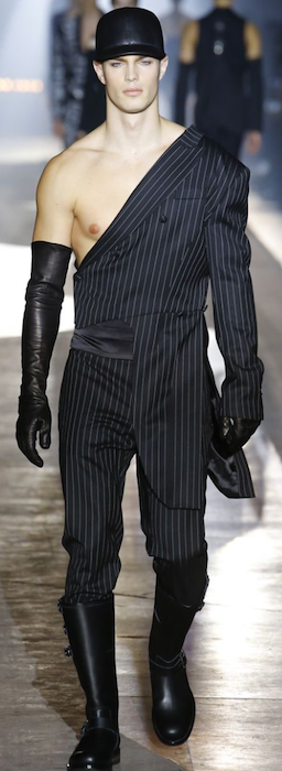 AW18 menswear trends Milan Moschino distorted stripes
