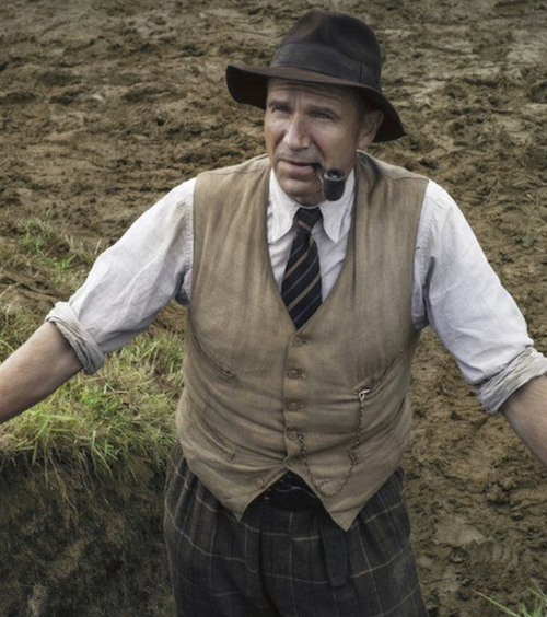 the dig film basil brown ralph fiennes netflix brown floppy hat